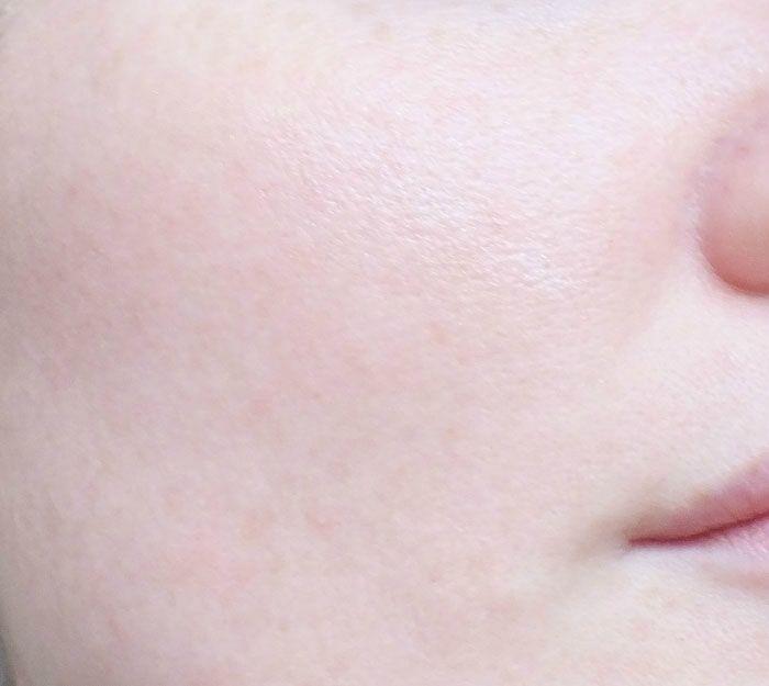 booster-d-eclat-elf-eyeslipsface-petale-de-lilas-teint-swatch-test (8)