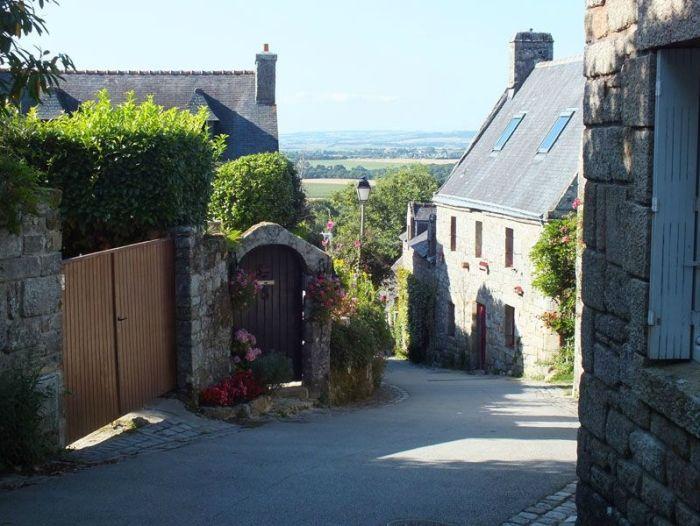 locronan-bretagne-finistere-touristique-boutiques-specialité-bretonnes-authentique-village-de-caractere-chocolatier-hortensias-chouans-monuments-historiques (20)