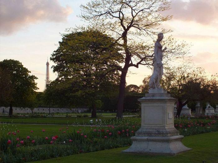 Paris-France-jardin-des-tuileries-louvres (11)