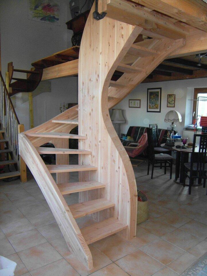 Un Escalier En Douglas Et Partout La Mer