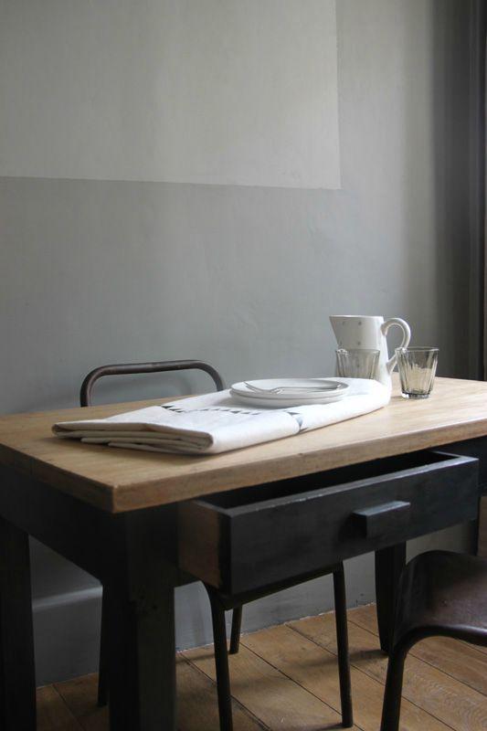 Table En Bois Brut Et Patine Faux Noir Lapetitebelette