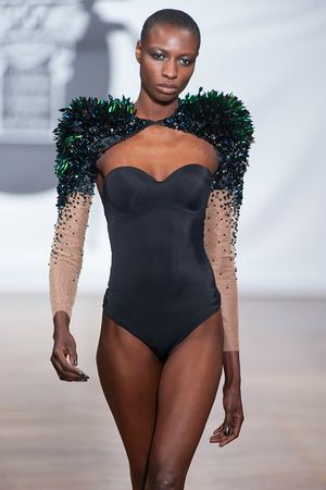 on aura tout vu by Yassen Samouilov and Livia Stoianova Defile Couture SS 2013 (140)-L