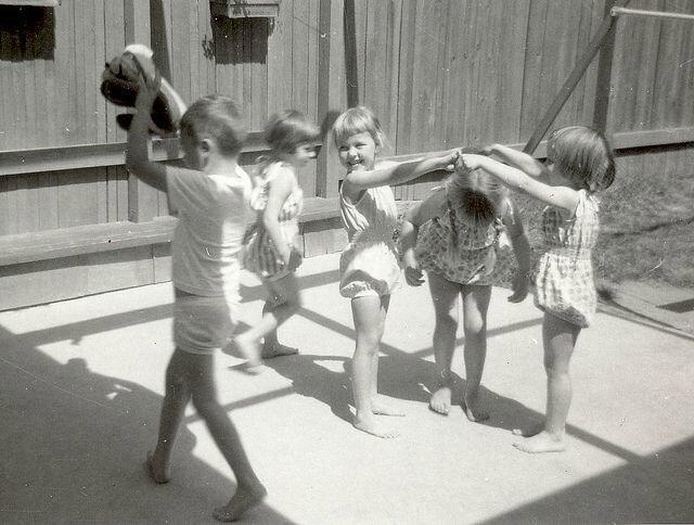children playing passera