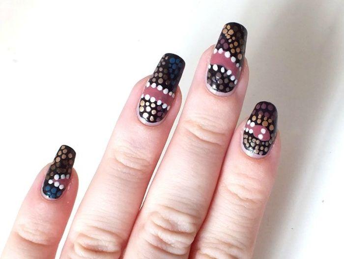nailstorming-pois-art-arborigene-reve-du-serpent-tableau-ethnique-ELF-eyeslipsface-jane-navi-nailmatic-andy-glamor-girl-nail-art-ongles-vernis-dotting-tool (2)