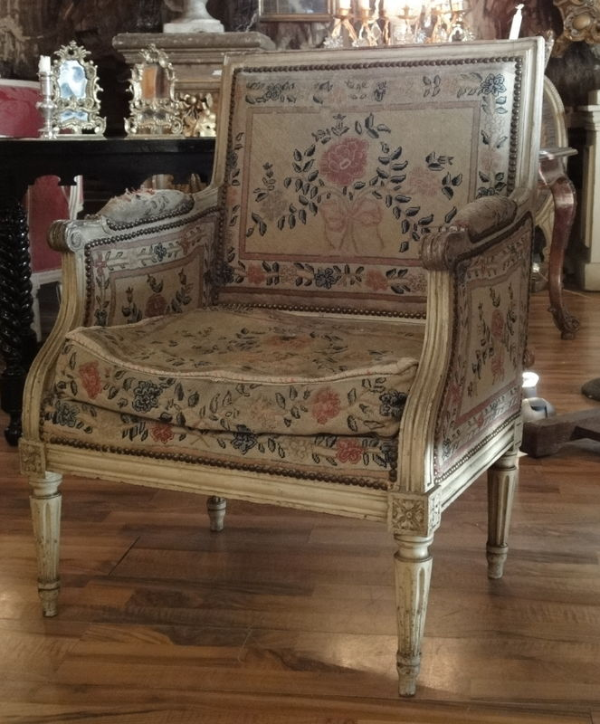 histoire du fauteuil louis xvi symbole