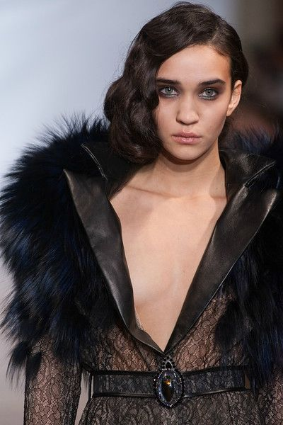 on aura tout vu by Yassen Samouilov and Livia Stoianova Defile Couture SS 2013 (62)-L