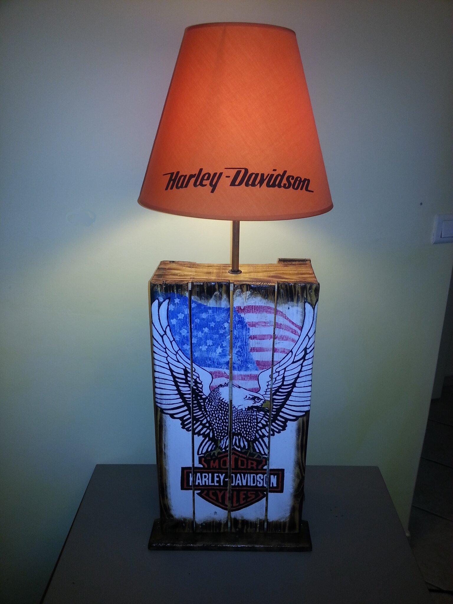Lampe Design Harley Davidson En Palette En Bois Rcup