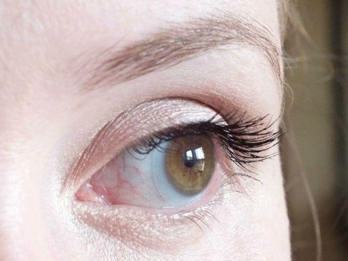 mascara-bourjois-volume-glamour-max-brosse-cils-test-swatch-maquillage-makeup-yeux (4)