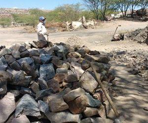 FPI fez operação e encontrou rejeitos da barragem descartados pela própria Chesf. Trabalhadores sem condição de segurança tentam aproveitar material