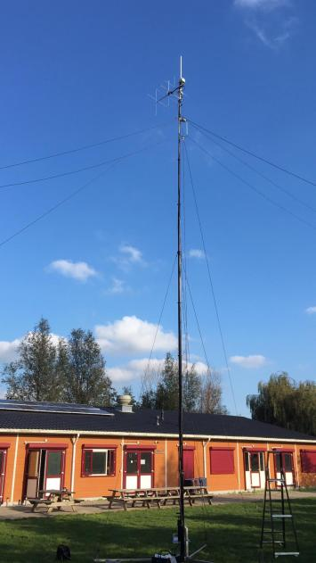 VHF-UHF pump up mast