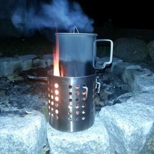 """Esbit titanium kop på Ikea's """"ordning"""" bedre kendt i inderkredse som ikea hobo stove."""