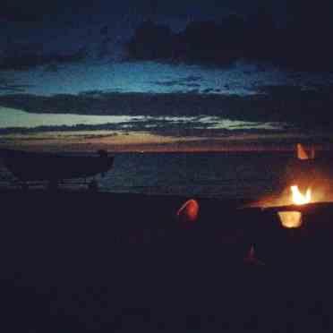 Senere på aftenen da børnene på puttet trak fælgen i mig igen. Der blev pustet ild i gløderne og stjerneskuddene var ikke sene til at vise sig.
