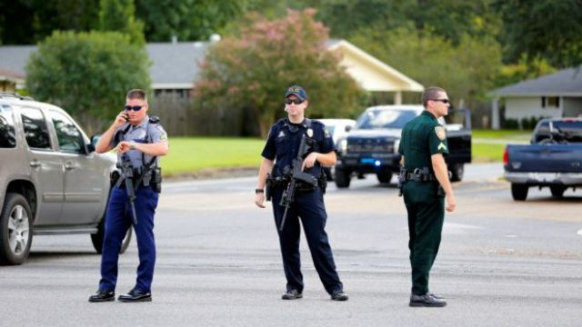 160717153827_us_police_baton_rouge_640x360_reuters_nocredit