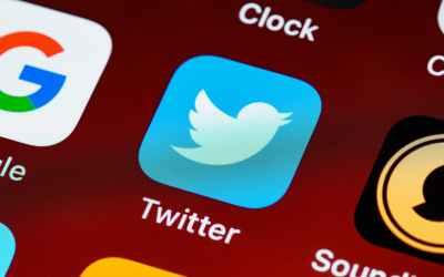 Twitter should implement rolling tweets.