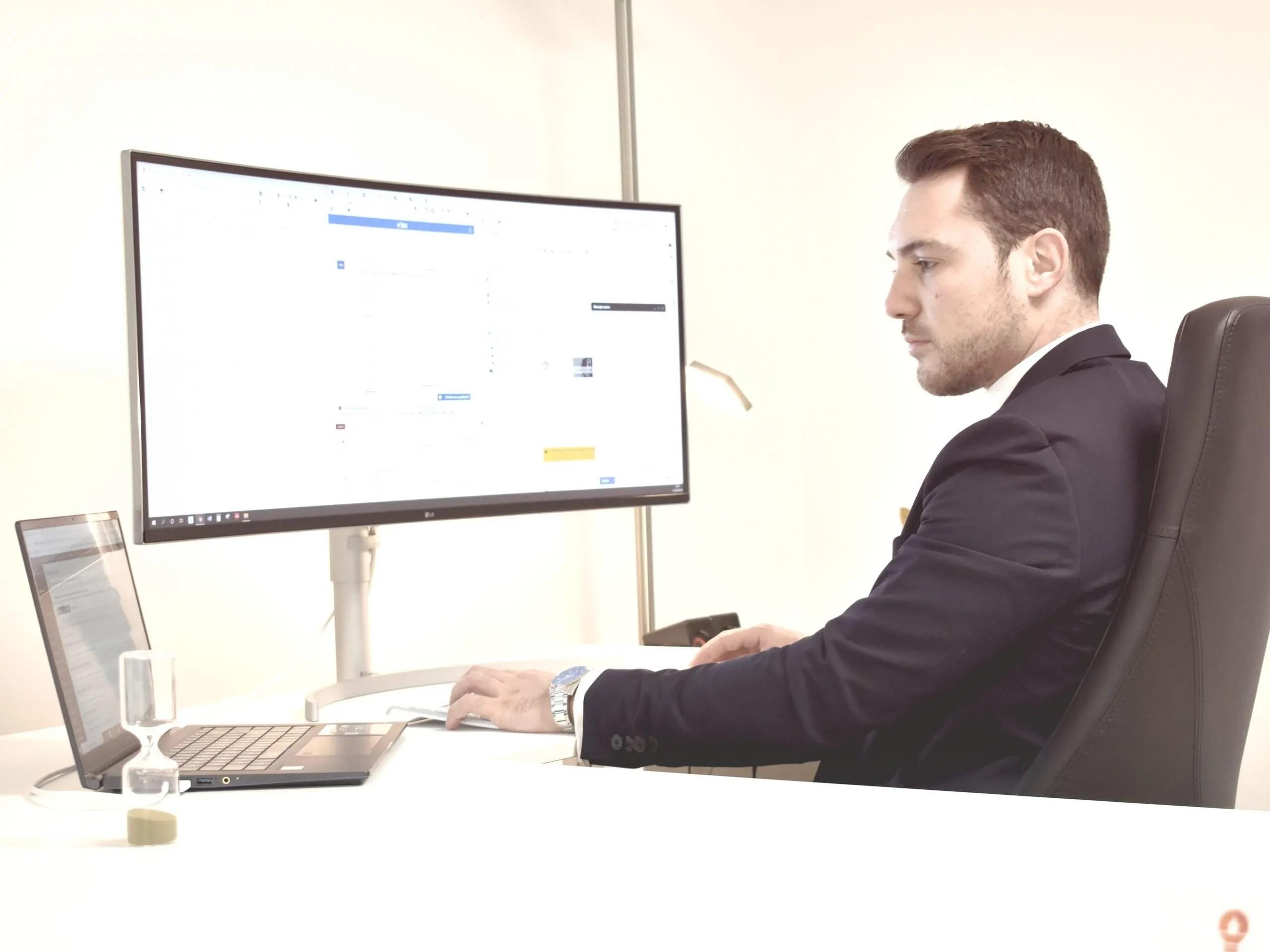 abogado especialista tecnologias españa propiedad intelectual industrial delitos informaticos