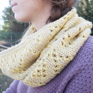 The Diamond Lace Cowl in Tawny Gold