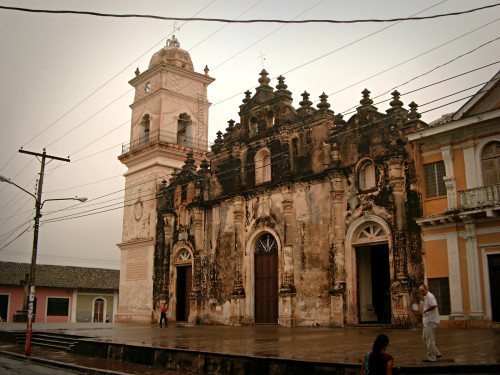Iglesia de La Merced in the rain