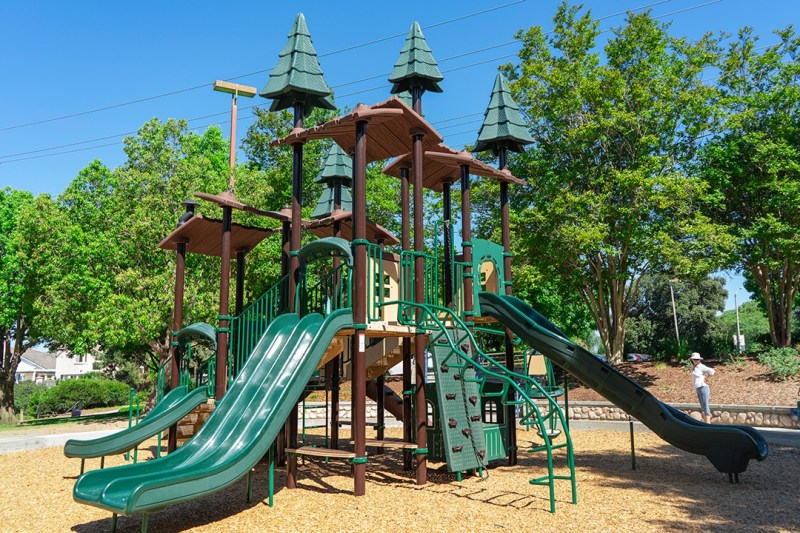 EWF Playground Surface Lakeview