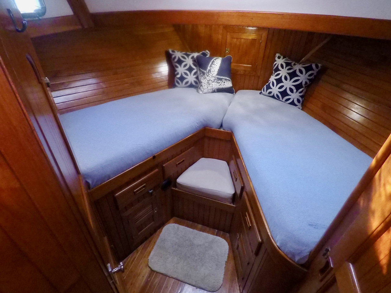 Making The Bed On A Boat U2013 Made Easy