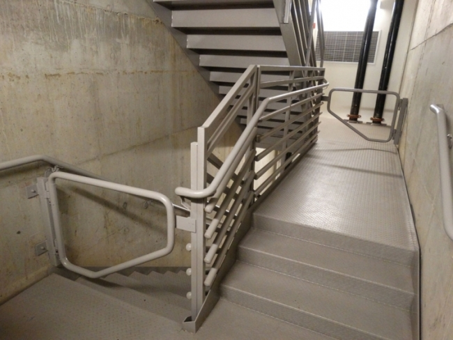 Pipe Rail Pacific Stair Corporation | Industrial Pipe Stair Railing | Threaded Pipe | Rail | Banister | Galvanized Pipe | Wall