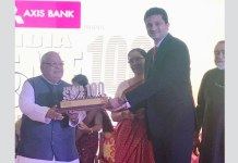 Gaurav Talwar receiving the Top SME award from Giriraj Singh, Hon'ble Minister of MSME, Govt. of India