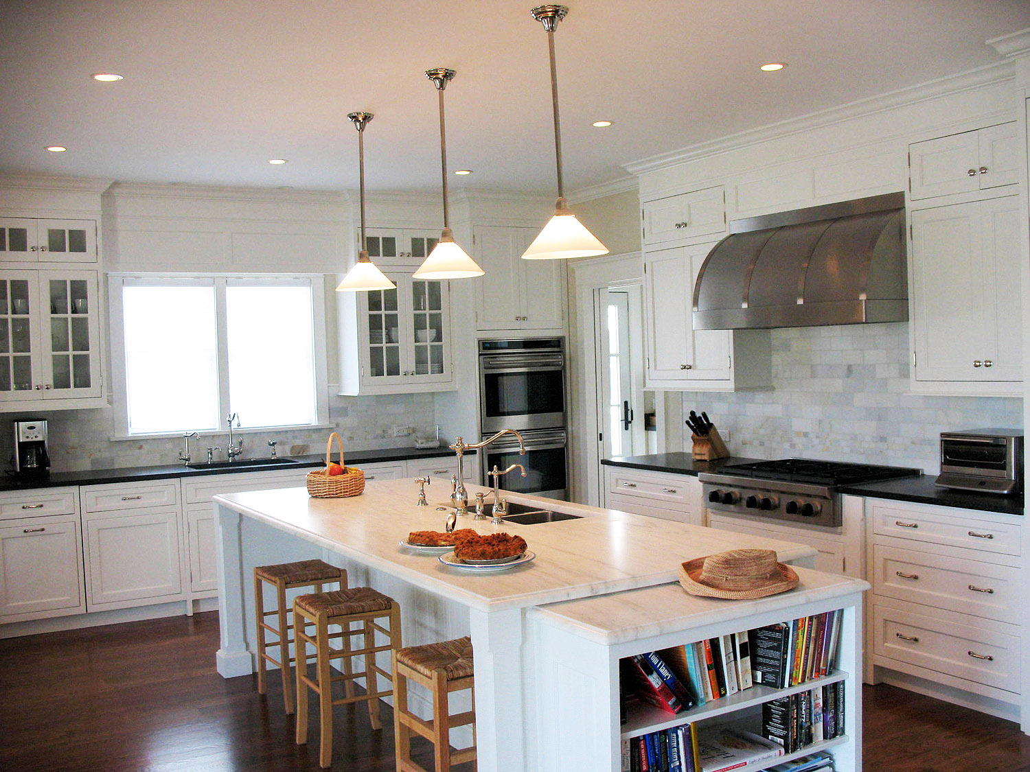 custom designers kitchen cabinets showrooms, bath cabinetry