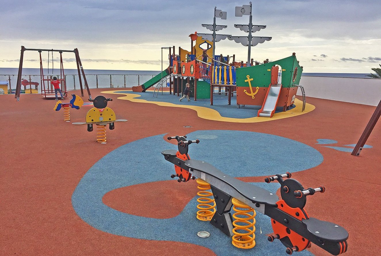 Amazing Calheta Playground right at the sea. - Madeira - Portugal