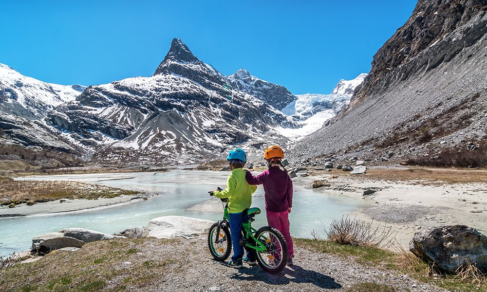 Kids with Bike at FERPÈCLE: A stroll to the foot of the Mont-Miné Glacier
