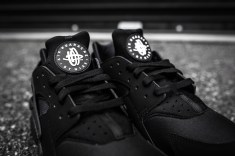 Nike Air Huarache Black-Black-6