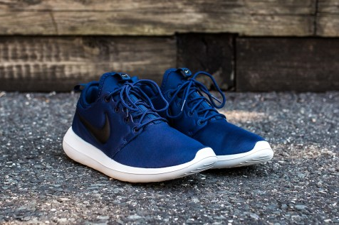 Nike Roshe Two Midnight Navy-Black angle