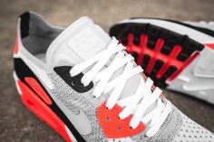 nike-air-max-90-ultra-2-0-flyknit-875943-100-9