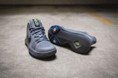 Nike Kyrie 3 852395 001-10