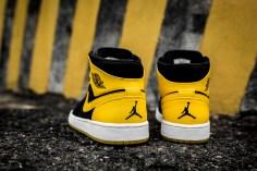 Air Jordan 1 Mid 554724 035-6