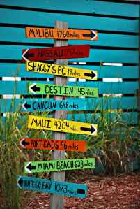 sign arrow direction travel