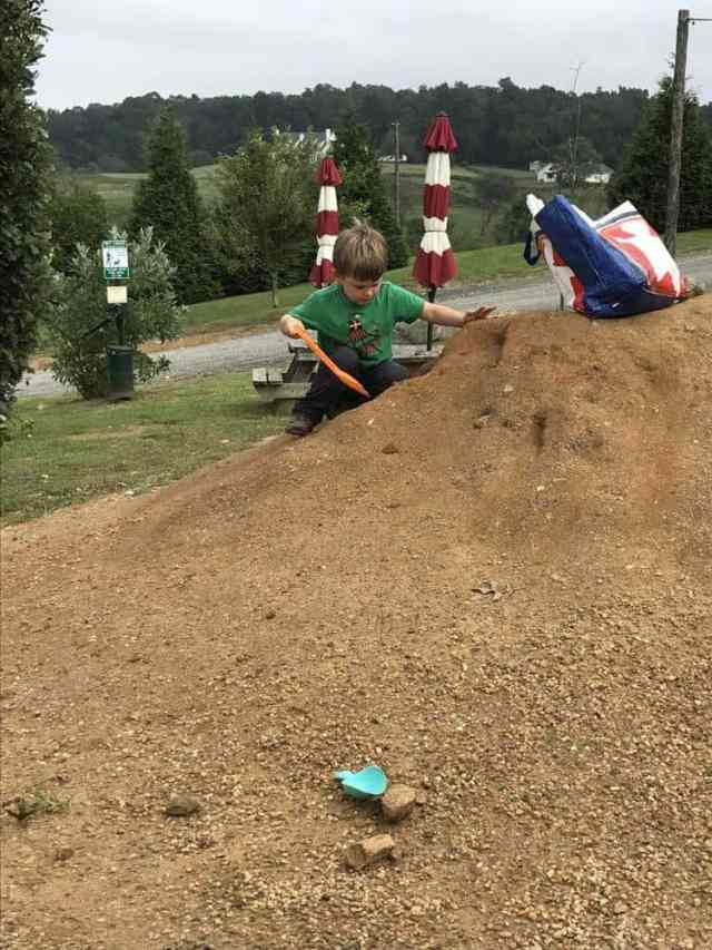 Barrel Oak Winery dirt hill for kids to play