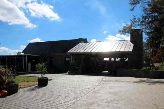 Dirt Farm Brewing | Blue Ridge Mountains | Entrance