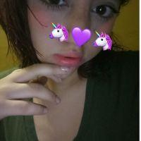 Colegiala preciosa con un cuerpo de infarto. Esta chica te encantara con sus fotos xxx.