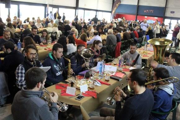 Más de 350 amantes de la Cultura del Almuerzo se dieron cita a primera hora de la mañana en L'Alcudia
