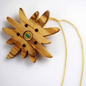Halskette mit Olivenholz-Edelweiss & Smaragd Gelbgold