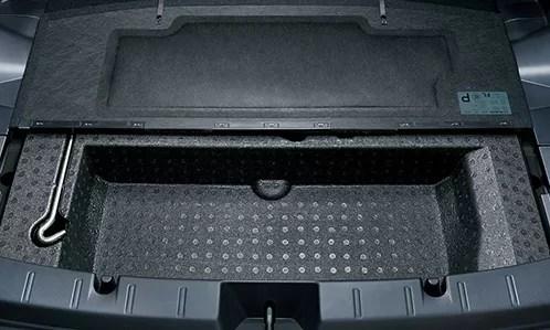 新型インプレッサスポーツ内装画像後部座席