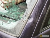 spadajacy_tynk_uszkodzil_auto_10
