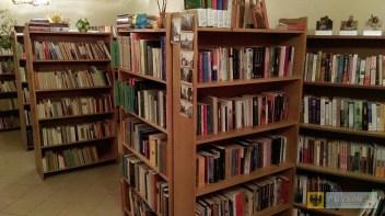 Księgozbiór biblioteki w Dziewiętlicach dzięki mikołajkowej akcji powiększył się o ponad 300 woluminów
