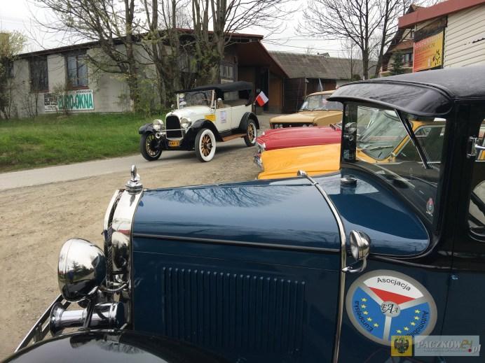 Motoryzacyjne klasyki zatrzymają się w Paczkowie. Foto: materiały organizatora
