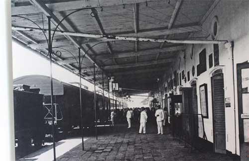 Stasiun Kereta Api Pertama di Indonesia