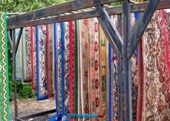 Usaha cuci karpet di Sawahlunto.