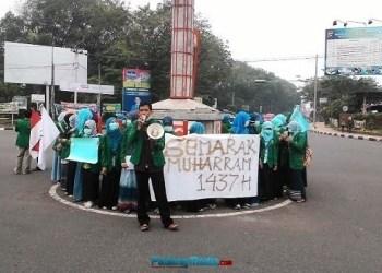 Aksi damai mahasiswa Farmasi Universitas Andalas. (baim)