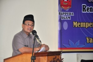 Bupati Agam Indra Catri membuka Musrenbang RKPD 2017. (fajar)