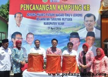 Pencanangan Kampung KB di Tiku V Jorong, Kab.Agam. (fajar)