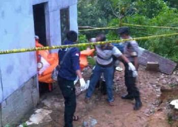 Lokasi penemuan mayat seorang kakek di Desa Santur. (tumpak)