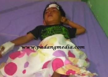 Reyhan korban lakalantas di Agam dalam perawatan di RSUD Lubuk Basung. (fajar@padangmedia)